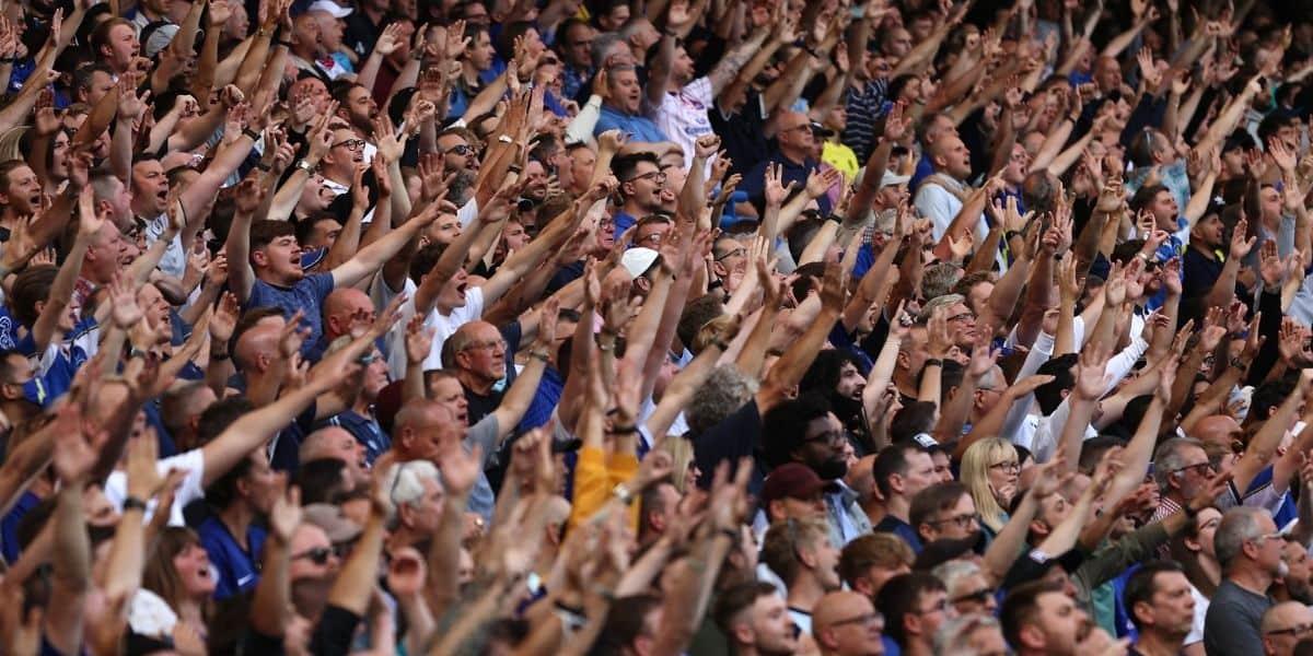 Capacité stades foot 2021-2022
